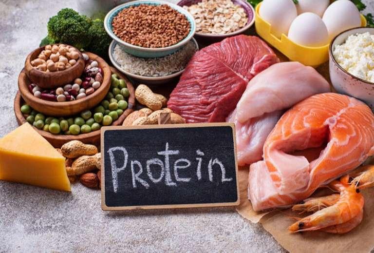 Dung nạp nhiều thực phẩm giàu protein - Nguyên nhân gây ra gout cấp tính