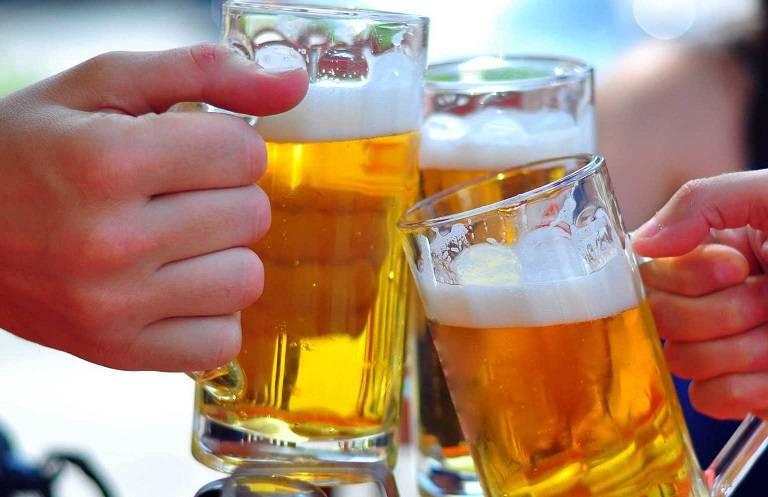 Gout phải kiêng tuyệt đối rượu bia